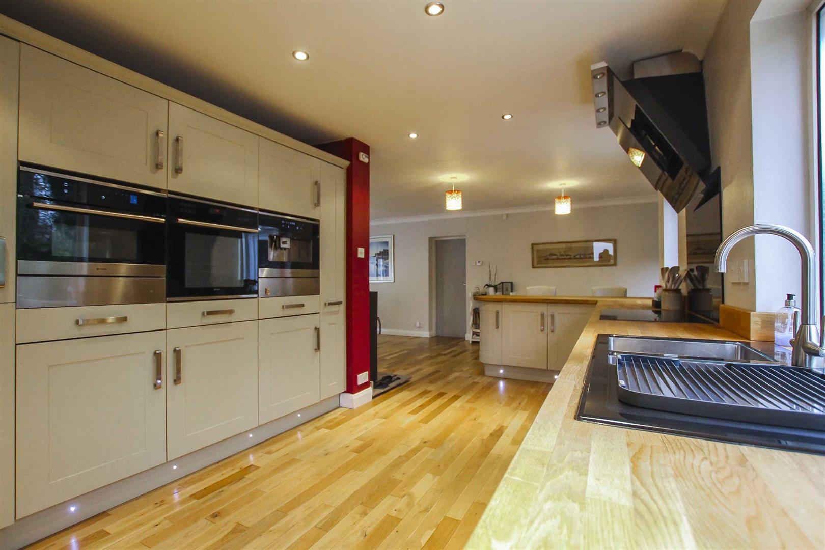 5 Bedroom Detached House For Sale - Image 22
